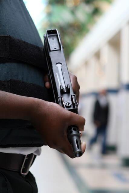 arme agent de sécurité